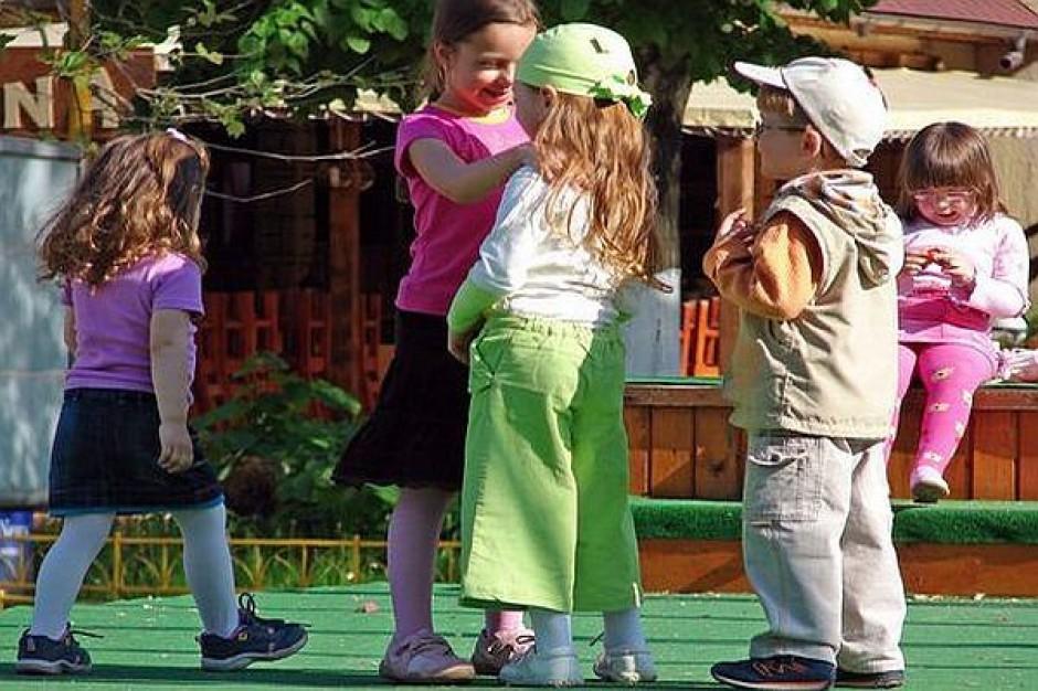 Po angielsku i w podskokach za darmo w piekarskich przedszkolach