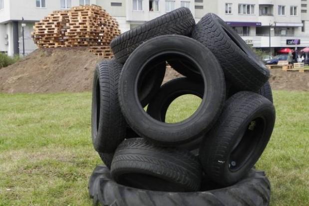 Ekologiczny plac zabaw z... odpadów