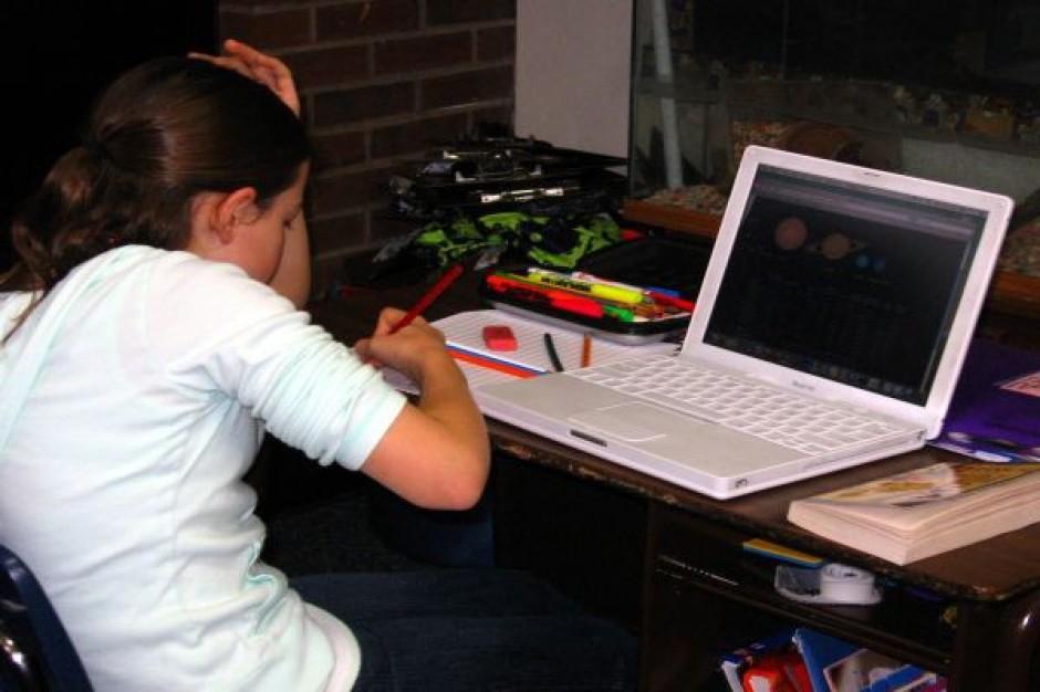 Nagrodzona nauczycielka załatwiła oprogramowanie