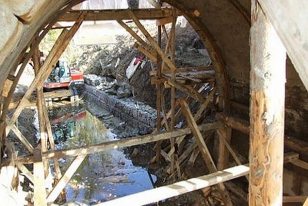 Zabytkowy most w przebudowie