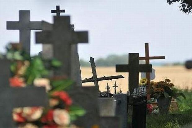 W Krakowie już kwestują na cmentarzu