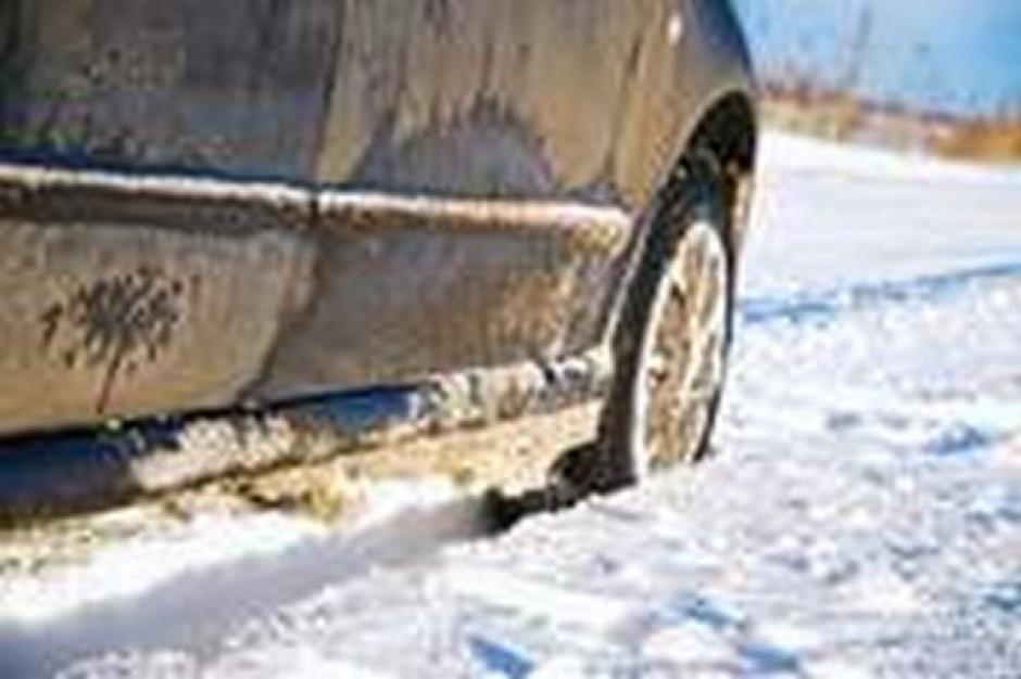 W Łodzi o usuwaniu pojazdów zimą