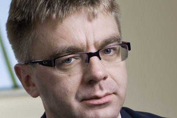 Na zdjęciu Tomasz Srokosz