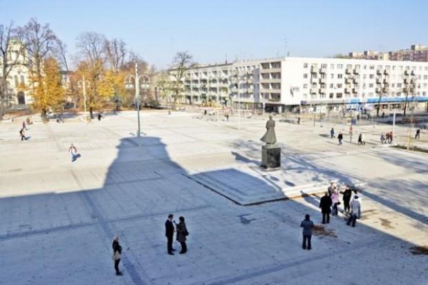 Plac Biegańskiego w Częstochowie na finiszu