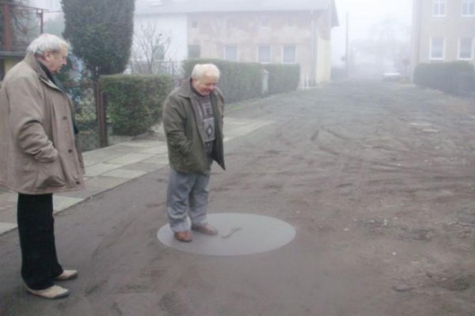 Walczą o asfalt od... 27 lat