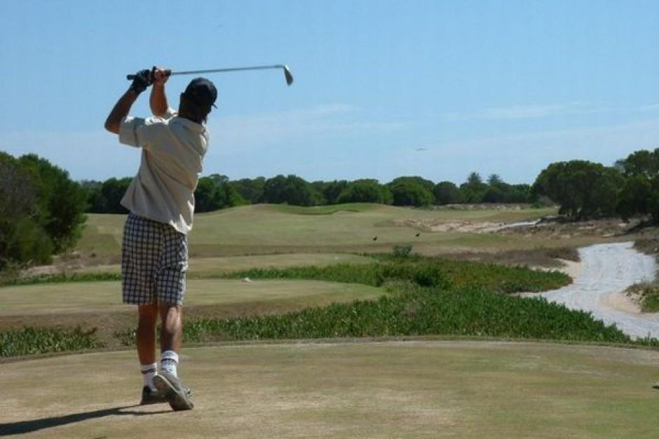 Na golf i molo w partnerstwie