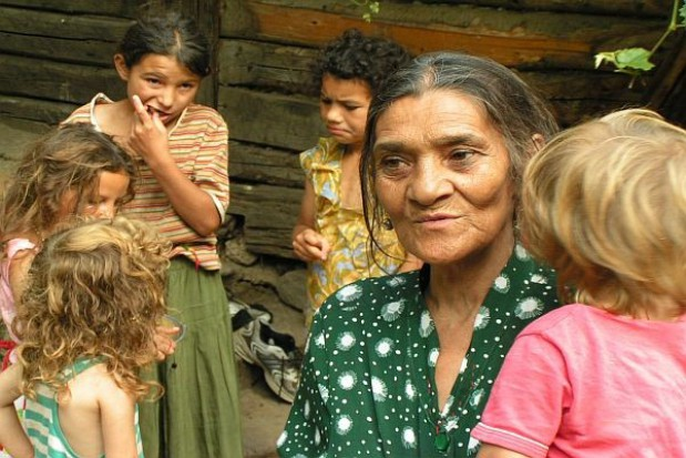 Szkoła nauczy tolerancji wobec Romów?