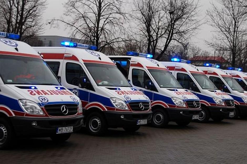 Nowe ambulanse będą jeździć po stolicy