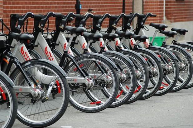 Elektroniczny licznik rejestruje ruch rowerowy