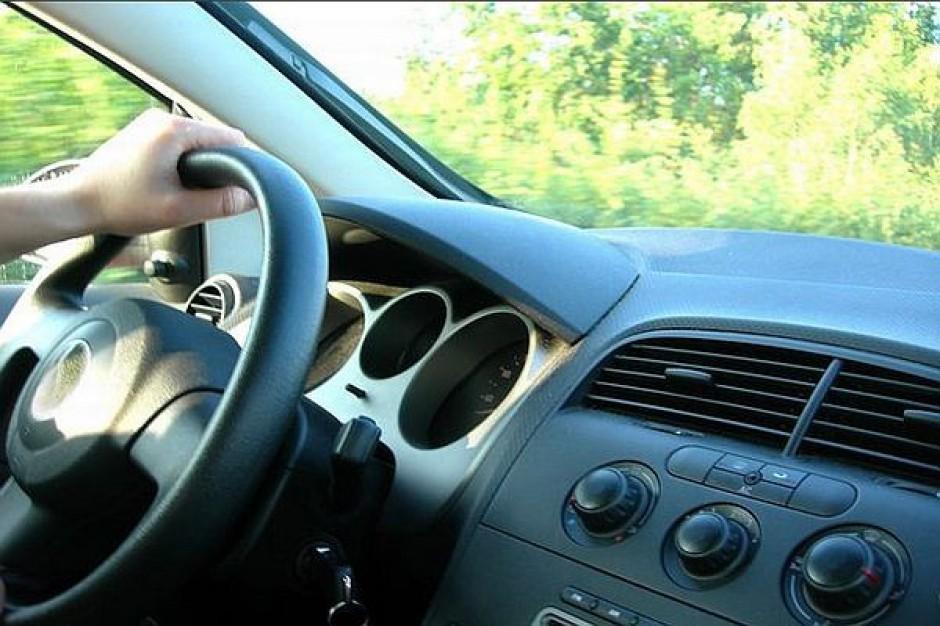 Dłużnicy alimentacyjni dalej z prawem jazdy