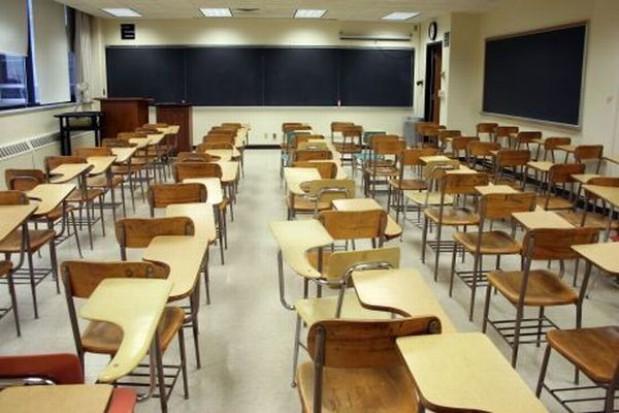 Błędna polityka rządu przyczyną likwidacji szkół