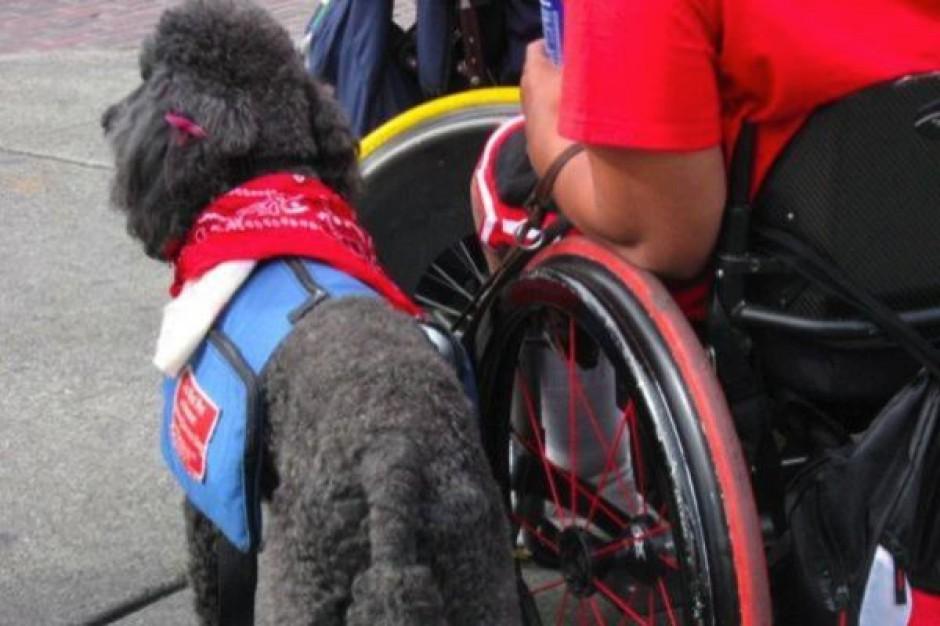 Niepełnosprawni nie pracują już krócej