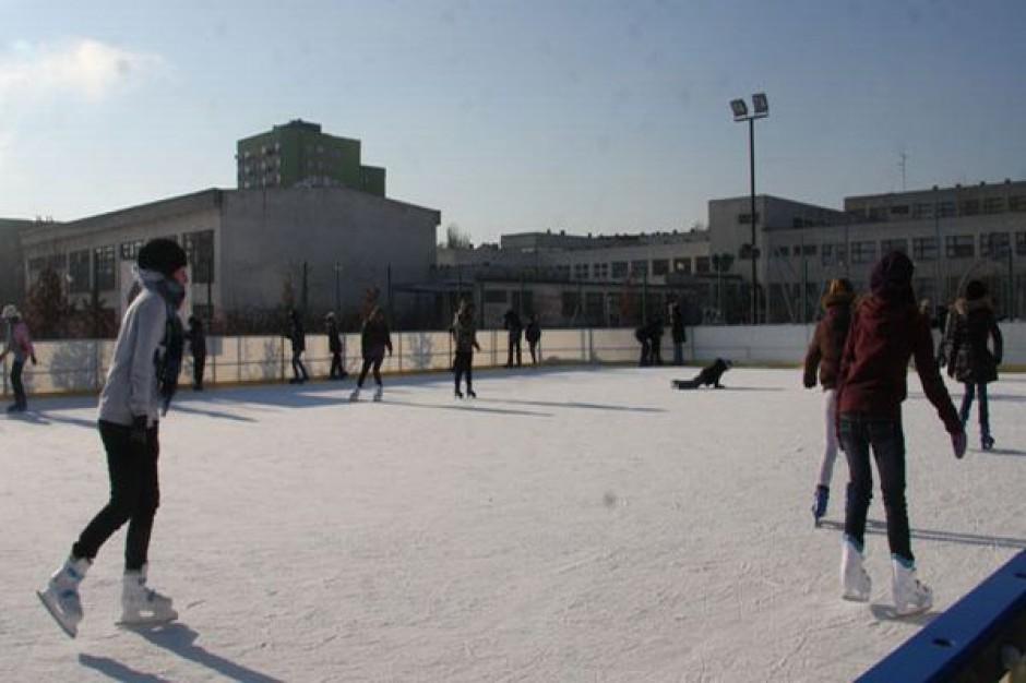Sześć przenośnych lodowisk w Łodzi