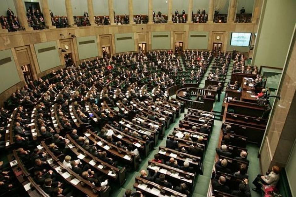 PiS chce likwidacji gabinetów politycznych