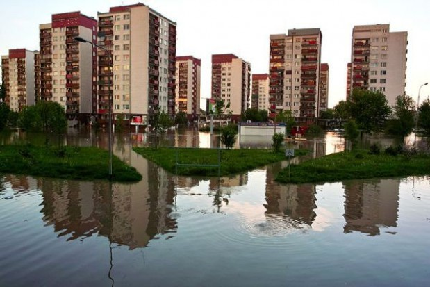 Wał ochroni osiedle przed wielką wodą