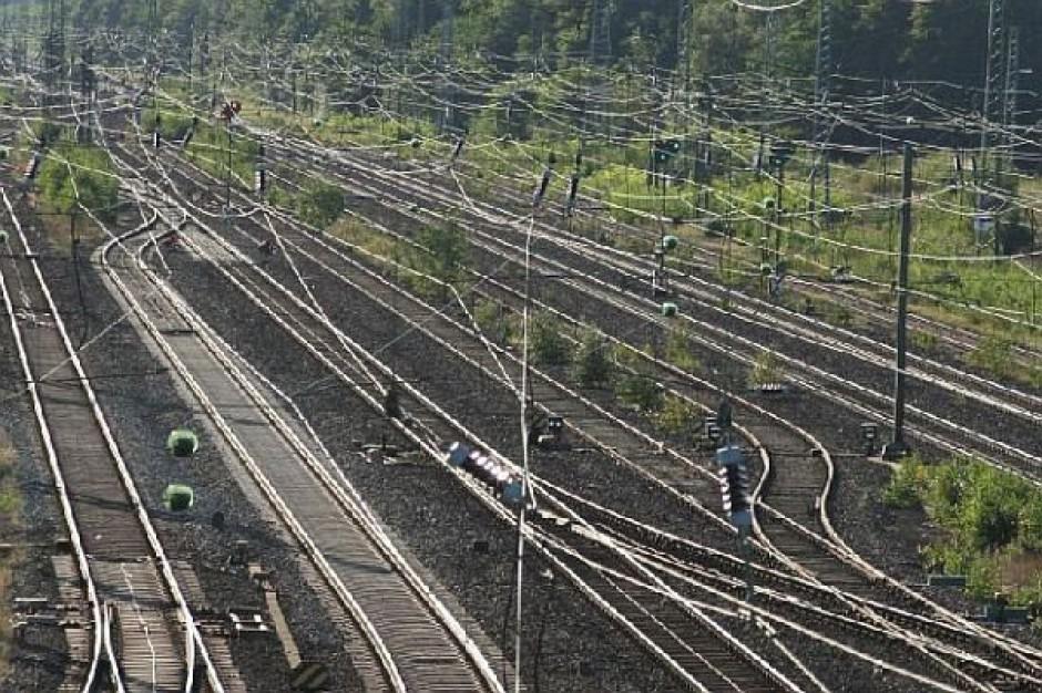Warszawska kolej z nowymi pociągami