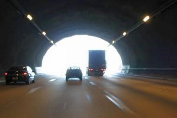 Warszawa schodzi do tuneli