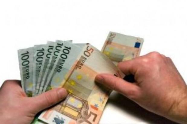 Bruksela wstrzymała strumień euro dla Polski