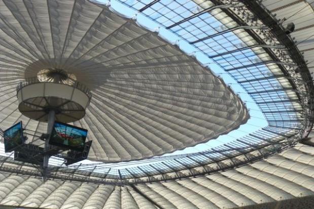 Paraliż komunikacji przy stadionie