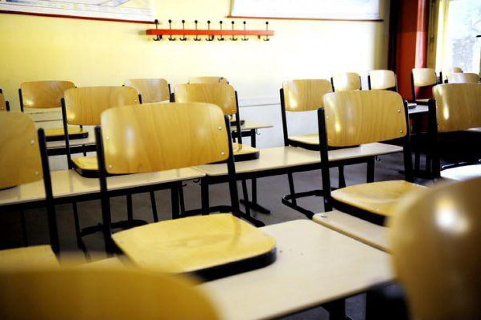 Lawina szkół do zamknięcia