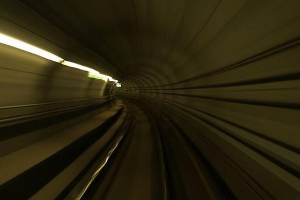 Ćwiczenia w tunelu średnicowym przed Euro