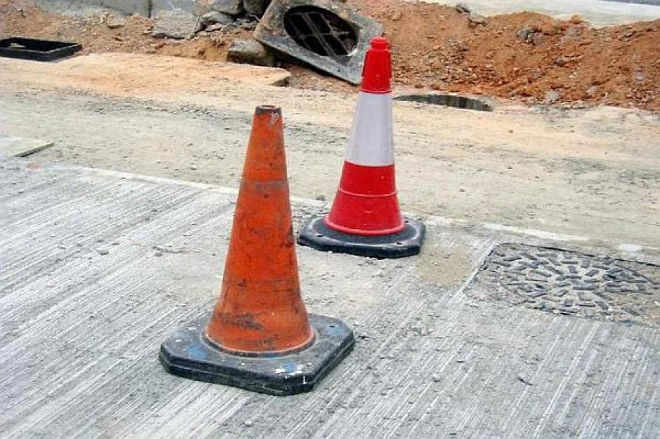 Szczeliny na autostradzie naprawione
