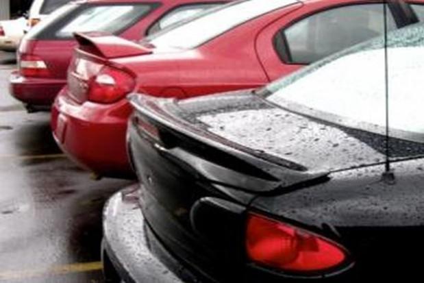 Parkowanie w Krakowie trudniejsze niż w Warszawie czy w Poznaniu