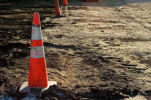 Budowa dróg wykańcza firmy