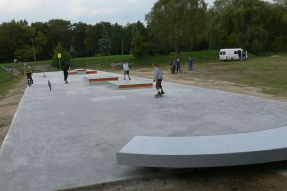 Chełm. Siłownia koło skateparku