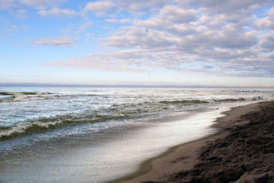 Odpady z plaży w Czołpinie wywiezione