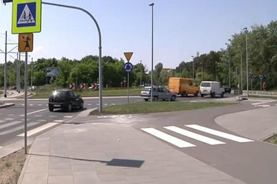 Bezpieczniej na placu Hoffmanna w Toruniu