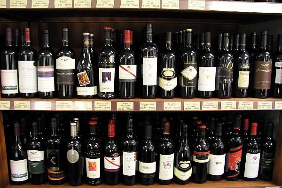 Konstancin: więcej sklepów z alkoholem