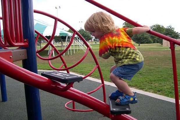 Konkurs na budowę placów zabaw