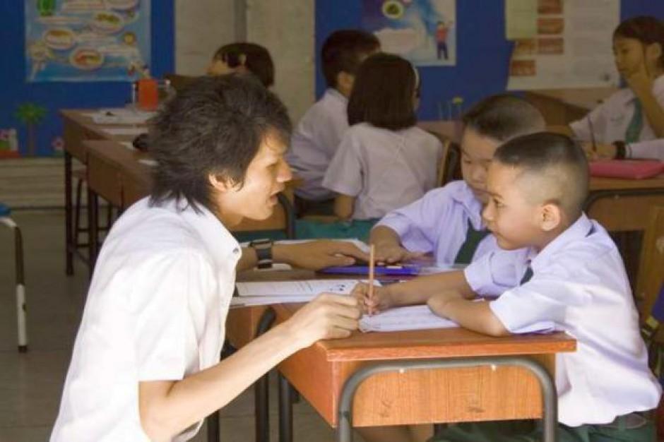 Karta nauczyciela się sypie