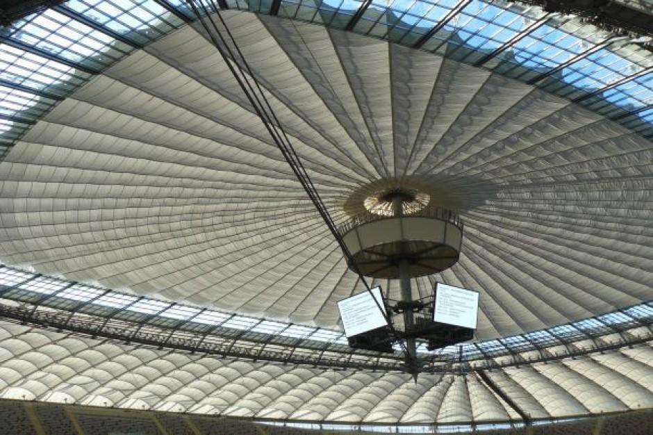 Pech nęka budowniczych stadionów