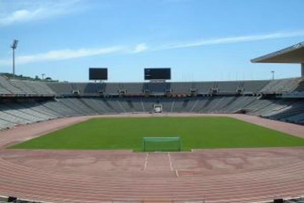 Liceum przygarnęło zrujnowany stadion