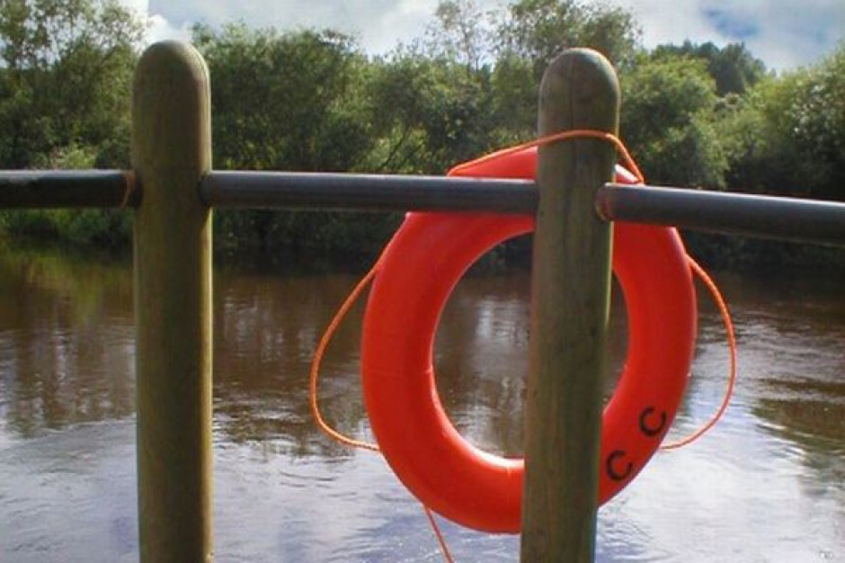 Jeziora bezpieczne dzięki wodnym karetkom