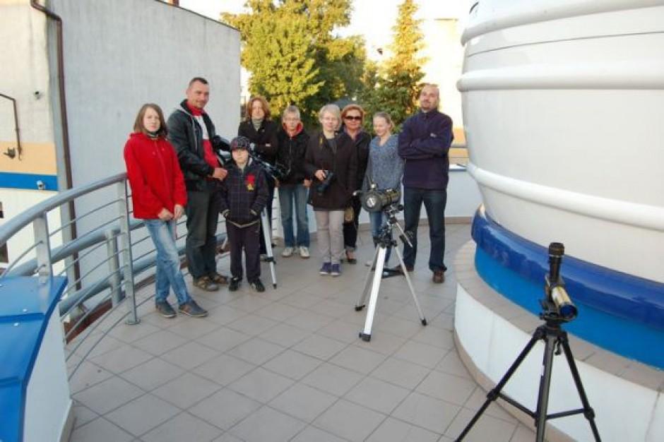 Tranzyt Wenus w astrobazach