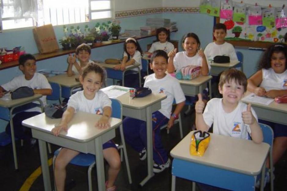 15 tys. uczniów w zagranicznych szkołach MEN