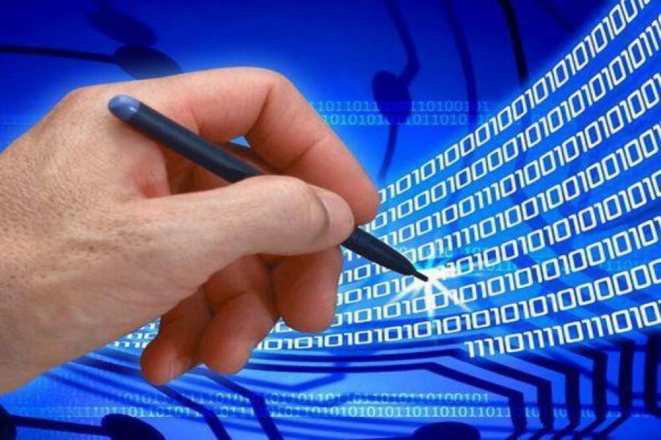 Podpis odręczny będzie równy elektronicznemu?