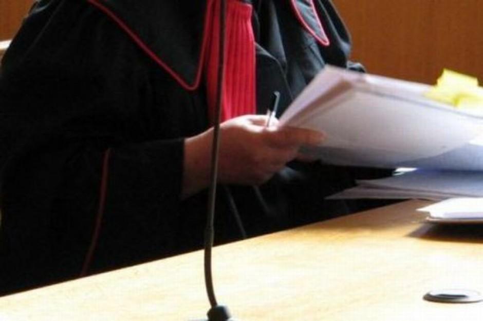 Sądy bardziej zaufają internetowi