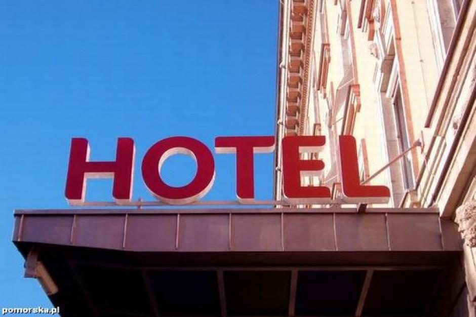 Hotele w Mikołajkach rosną jak grzyby po deszczu