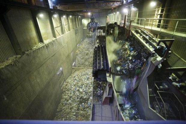 Przetargowa kołomyja ze spalarnią odpadów