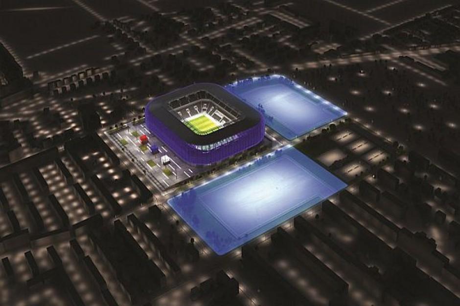 Stadion w budowie przyciąga inwestorów