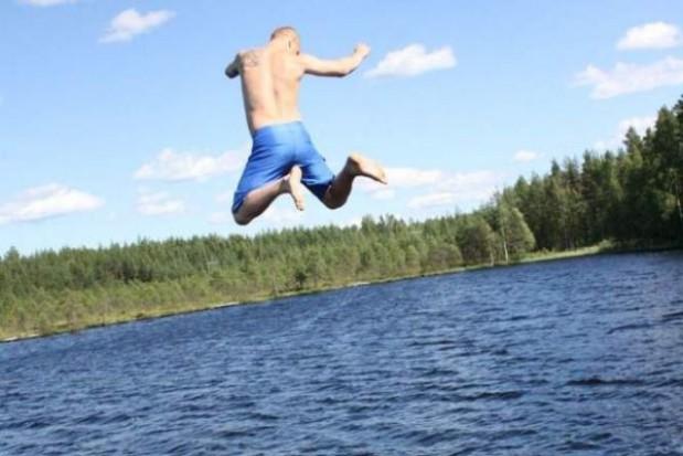 Kąpiel w jeziorze Trzesiecko zabroniona
