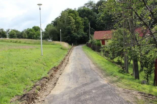 Remontują drogi gminne w Jedliczu