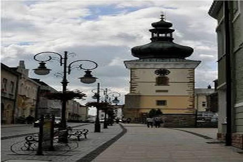 Hełm wieży w Krośnie czeka na turystów