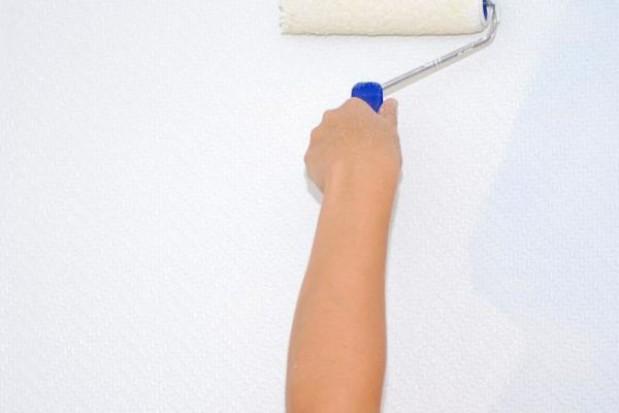 Malowaniem klatek odpracują dług czynszowy
