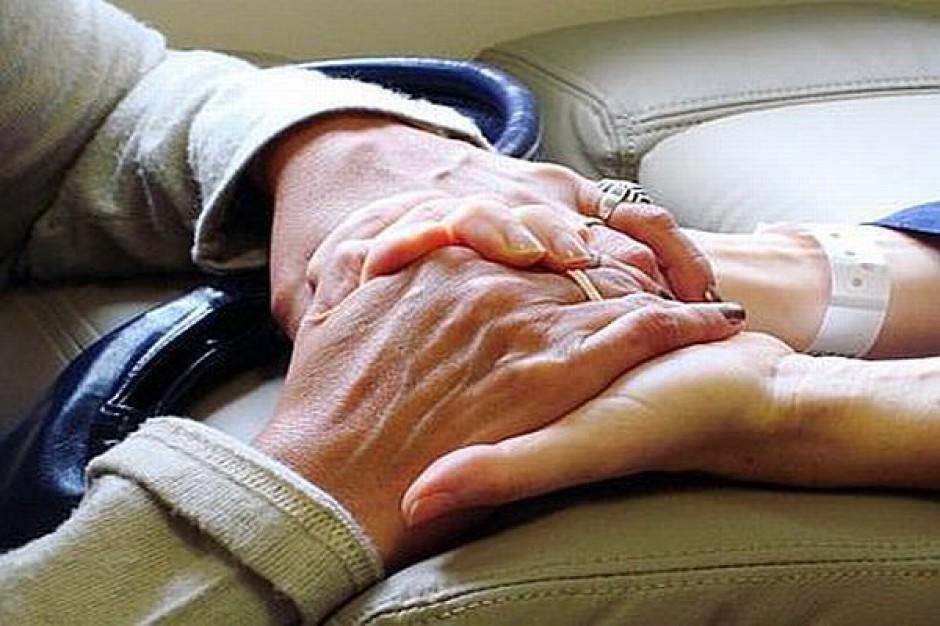 Wolontariusze zostaną w hospicjach
