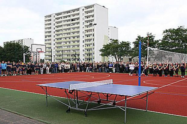 Nowe boisko przy toruńskiej szkole